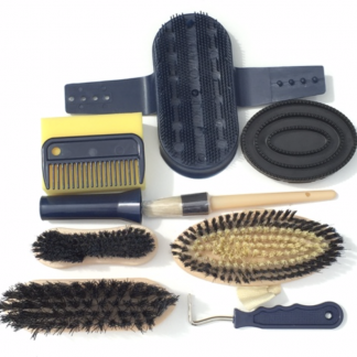 Equerry Grooming Kit